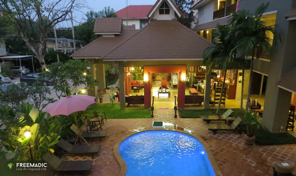 freemadic_chiang_mai_serviced_apartment_evening