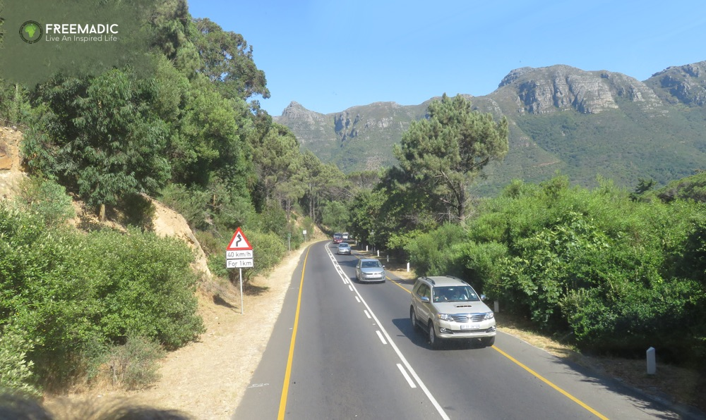 freemadic_cape_town_citysightseeing_bus_heading_to_houtbay